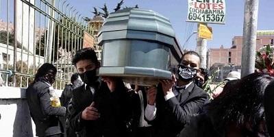Protestan en Bolivia por cadáveres insepultos de covid-19
