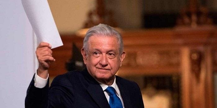 Reiniciarán clases presenciales así llueva, truene o relampaguee: López Obrador